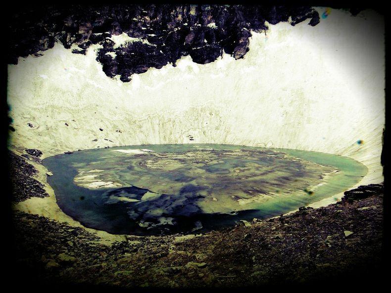 Roopkund-Trek-Uttarakhand-Skeleton-Lake